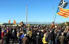 2.000 personas cantan a Forcadell ante la prisión del Catllar