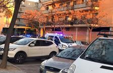 L'accident s'ha produït a l'alçada del número vuit al carrer Maria Aurèlia Capmany.
