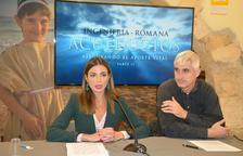La consellera de Turisme, Inma Rodríguez, i el director de la sèrie i de l'empresa Digivision, José Antonio Muñiz.