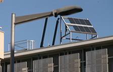 Placa solar que va ser instal·lada en un edifici del campus Sescelades de la Rovira i Virgili.
