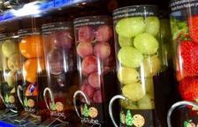 Imatge d'una màquina de vending amb fruita.