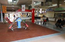 El espacio de las paradas derribadas del Carrilet acoge talleres y actividades