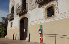 El Morell instal·la un desfibril·lador a l'exterior de l'edifici consistorial