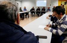Reunió de taxistes a Tarragona per decidir si se sumen a la vaga.