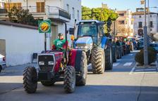 Unió de Pagesos hará una nueva tractorada el martes por la crisis de la avellana