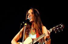 La reusenca Lau Noah, primera a cantar en català a la ràdio pública dels Estats Units