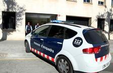 Detingudes dues persones per setze robatoris en vehicles estacionats a les platges del Delta de l'Ebre