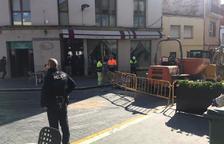 Desalojan una cafetería y un comercio en Calafell por un escape de gas en la plaza Catalunya
