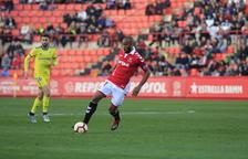 José Kanté controla una pelota contra el Cádiz