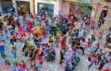Més d'una desena de comparses omplen el Morell de festa i color per Carnaval