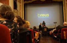 La projecció de tres curtmetratges donen el tret de sortida del Festival Breus