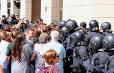 Un guàrdia civil diu que els Mossos «se la van jugar» per ajudar la comitiva judicial d'un registre a Sabadell el 20-S