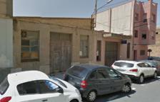 Un incendi en uns baixos mobilitza set dotacions de Bombers a Tortosa