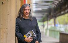 «Soy un escritor que ha hecho de músico durante treinta y cinco años»