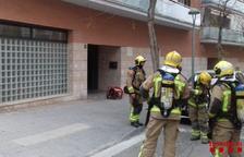 Un ferit lleu per inhalació de fum en incendiar-se un quadre elèctric d'un edifici a Tarragona
