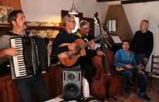 Quico el Célio, el Noi i el Mut de Ferreries evoquen la vida senzilla i l'alegria de cantar en el seu nou disc
