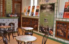 Imagen de una parte del interior de la Casa del Vermú y del Vino de Reus.