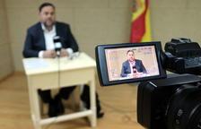 Recurso del visor de la cámara de vídeo durante la rueda de prensa que Oriol Junqueras ha ofrecido para el ACN desde Soto del Real este 19 de abril de 2019.