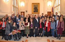 El Ayuntamiento de Reus recibe a los autores locales por Sant Jordi