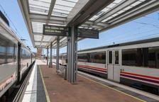 Restablert el servei de tren entre Vilanova i Cunit després de reparar l'avaria a la catenària