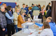 Imagen de votantes en Tarragona.