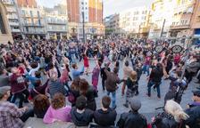 El Dixieland llena de música y baile las calles de Tarragona
