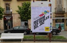 La CUP enganxa el seu nou lema sobre la programació del Teatre Tarragona