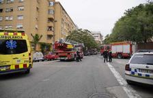 Un ferit per inhalació de fum en un incendi d'habitatge a Tarragona