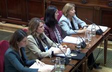 Imagen general de las peritas Maria del Carmen Tejera, Sara Izquierdo, Teresa Cecília Hernández y Mercedes Vega declarando en el Supremo.