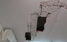 Repararan fissures aparegudes al sostre de l'Escola Oficial d'Idiomes de Reus