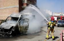 Crema una furgoneta de repartiment a Alcover
