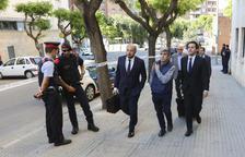 Àngel Cunillera, arribant a l'Audiència el passat 13 de maig, amb el seu advocat, Víctor Mercedes.