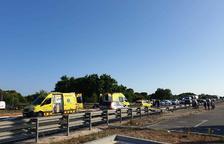 Varios vehículos implicados en un accidente en la N-340 en Creixell