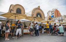 Balanç desigual entre les parades en la primera Fira del Vi a la plaça Corsini
