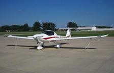 Una avioneta Diamond com la que va patir l'incident a Reus amb un vol comercial.