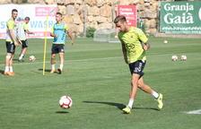 Abeledo, durante un entrenamiento con el Gimnàstic de Tarragona a las instalaciones de la Budellera.