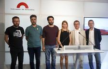 Totes els grups al Parlament acorden impulsar una llei per abolir els delfinaris a Catalunya