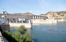 Quatre ferits en una deflagració a la central hidroelèctrica de Riba-Roja d'Ebre
