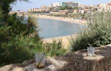 Tarragona se despierta con algunos restos de la celebración de Sant Joan