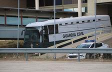 Els presos surten de Valdemoro amb destinació a Zuera per arribar dimecres a Catalunya