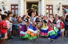 El Seguici Festiu Petit omple els carrers de Reus de balls, música i foc