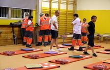 La Creu Roja habilita l'escola de Flix perquè hi dormin els desallotjats afectats per l'incendi de la Ribera d'Ebre