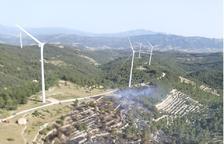 Els Bombers donen per estabilitzat l'incendi de la Fatarella, que ha cremat 2 hectàrees