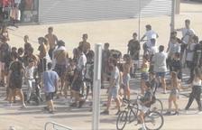 Un grup de joves protagonitza una baralla multitudinària a Segur de Calafell
