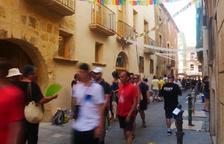 La calle Comte se llena de música y color para celebrar la Pilons Parade