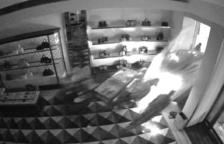 Detinguts dos integrants d'un grup criminal itinerant dedicat a cometre robatoris amb força