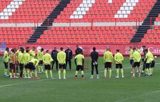 Xavi Bartolo dirigirá hoy la primera sesión como entrenador grana con cinco de los seis fichajes que se ha presentado hasta el momento.