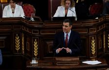 El candidato socialista a la Presidencia del Gobierno español, Pedro Sánchez, durante su intervención en la primera jornada del debate de investidura.