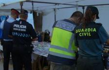 Denuncien set parades del mercadet d'artesans de Roda per vendre articles falsificats