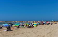 Ferida crítica una dona que ha estat a punt d'ofegar-se a la platja de Cunit